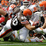 Cleveland Browns running back Peyton Hillis (40) stretches into the end zone on  a 1-yard touchdown run in the second quarter of an NFL football game against the Kansas City Chiefs Sunday, S ...