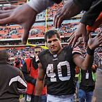 **RETRANSMITTED FOR BETTER QUALITY**Cleveland Browns running back Peyton Hillis is congratulated by fans after the Browns' 34-14 win over the New England Patriots in an NFL football game  Su ...