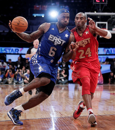 kobe bryant dunks on lebron 2011 all star game. kobe bryant dunks on lebron