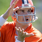 Cleveland Browns quarterback Jake Delhomme prepares to catch a pass at the team's NFL football minicamp in Berea, Ohio on Thursday, June 10, 2010. (AP Photo/Amy Sancetta)