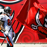 Tampa Bay Buccaneers tight end Kellen Winslow prepares to run on the field with a team flag before an NFL football game against the Cleveland Browns Sunday, Sept. 12, 2010, in Tampa, Fla. (A …