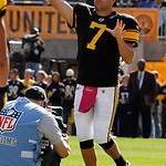 Pittsburgh Steelers quarterback Ben Roethlisberger (7) warms up before a NFL football game against the Cleveland Browns in Pittsburgh, Sunday, Oct. 17, 2010. It is Roethlisberger&#039;s first gam &#8230;