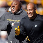 Pittsburgh Steelers defensive tackle Casey Hampton, left, sprints with linebacker James Farrior during warmups before the NFL football game against the Cleveland Browns, Sunday, Oct. 17, 2 …