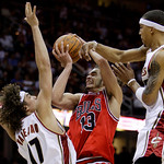 Chicago Bulls&#039; Joakim Noah (13) is fouled by Cleveland Cavaliers&#039; Jamario Moon, right, as Anderson Varejao (17) blocks the lane in the fourth quarter of Game 2 in the first round of the NBA  &#8230;
