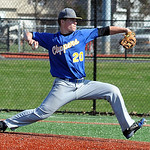 Roger Engle pitches for Clearview. STEVE MANHEIM/CHRONICLE