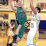Columbia's Kevin Simon drives past Clearview's Daimon Knowles. LINDA MURPHY/CHRONICLE