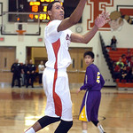 Elyria's Isaiah Walton shoots a basket unguarded against Lakewood. LINDA MURPHY/CHRONICLE