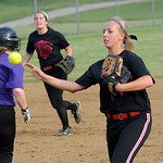 Amanda Spears makes an out. STEVE MANHEIM/CHRONICLE