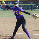 Avon's Rachael Poling delivers a pitch. STEVE MANHEIM/CHRONICLE