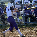 Keystone's Summer Constable hits an RBI single in the second inning. STEVE MANHEIM/CHRONICLE