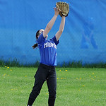Midview right fielder Erin DiFranco catches a fly ball. KRISTIN BAUER | CHRONICLE