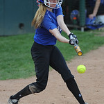 Midview's Lauren Landers bats against Central Crossing. KRISTIN BAUER | CHRONICLE