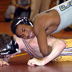 Clearview's Derrick Foster, top, tries to pin Avon's Travis Leopold. LINDA MURPHY/CHRONICLE
