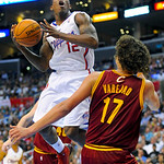 Los Angeles Clippers guard Eric Bledsoe (12) drives against Cleveland Cavaliers center Anderson Varejao (17) in the second half of an NBA basketball game, Monday, Nov. 5, 2012, in Los Angele …