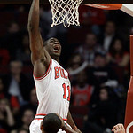 Chicago Bulls guard Ronnie Brewer (11) scores a basket during the first half of an NBA basketball game against the Cleveland Cavaliers in Chicago, Thursday, April 26, 2012. (AP Photo/Nam Y.  …