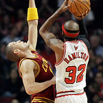 Cleveland Cavaliers guard Anthony Parker (18) guards Chicago Bulls guard Richard Hamilton (32) during the first half of an NBA basketball game in Chicago, Thursday, April 26, 2012. (AP Photo …