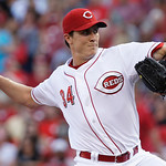 Cincinnati Reds starting pitcher Homer Bailey throws to a San Francisco Giants batter in the first inning of a baseball game, Tuesday, July 2, 2013, in Cincinnati. (AP Photo/Al Behrman)