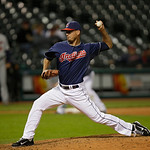 Cleveland Indians&#039; Scott Maine pitches against the Minnesota Twins in a baseball game Tuesday, Sept. 18, 2012, in Cleveland. (AP Photo/Mark Duncan)