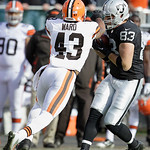 Oakland Raiders tight end Brandon Myers (83) catches a pass as Cleveland Browns strong safety T.J. Ward (43) approaches during the first quarter of an NFL football game in Oakland, Calif., S …