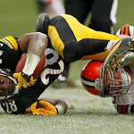 Pittsburgh Steelers cornerback Cortez Allen (28) is tackled by Cleveland Browns center Alex Mack (55) after recovering a fumble by Cleveland Browns wide receiver Travis Benjamin (80) during  …