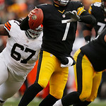 Pittsburgh Steelers quarterback Ben Roethlisberger (7) looks to pass during the third quarter of an NFL football game against the Cleveland Browns in Pittsburgh, Sunday, Dec. 30, 2012. The S …