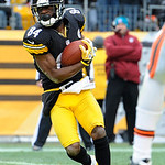 Pittsburgh Steelers wide receiver Antonio Brown (84) catches a touchdown pass against the Cleveland Browns during the third quarter of an NFL football game on Sunday, Dec. 30, 2012, in Pitts …