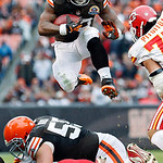 Cleveland Browns running back Trent Richardson (33) leaps over the line during the third quarter of an NFL football game against the Kansas City Chiefs, Sunday, Dec. 9, 2012, in Cleveland. ( …