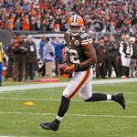 Cleveland Browns tight end Benjamin Watson runs the ball against the Kansas City Chiefs during an NFL football game Sunday, Dec. 9, 2012, in Cleveland. (AP Photo/Tony Dejak)