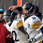 Pittsburgh Steelers quarterback Charlie Batch (16) congratulates running back Chris Rainey after Rainy's 1-yard touchdown run against the Cleveland Browns in the second quarter of an NFL foo …