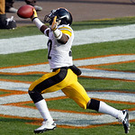 Pittsburgh Steelers running back Chris Rainey (22) celebrates after scoring a touchdown against the Cleveland Browns during an NFL football game Sunday, Nov. 25, 2012, in Cleveland. (AP Phot …