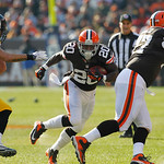 Cleveland Browns running back Montario Hardesty (20) looks for running room against the Pittsburgh Steelers in the first quarter of an NFL football game Sunday, Nov. 25, 2012, in Cleveland.  …