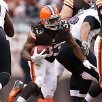 Cleveland Browns running back Trent Richardson (33) runs the ball against the Baltimore Ravens in the second half of an NFL football game in Cleveland, Sunday, Nov. 4, 2012. (AP Photo/Rick O …