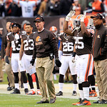 Cleveland Browns head coach Pat Shurmur, center,  watches in an NFL football game against the Baltimore Ravens Sunday, Nov. 4, 2012, in Cleveland. (AP Photo/Tony Dejak)