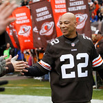 Former Cleveland Browns defensive back Felix Wright is greeted by fans before an NFL football game against the Baltimore Ravens Sunday, Nov. 4, 2012, in Cleveland. Wright and Al Gross were h …
