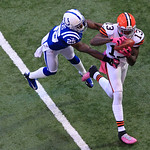 Cleveland Browns' Josh Gordon makes a 33-yard touchdown reception against Indianapolis Colts' Jerraud Powers during the second half of an NFL football game Sunday, Oct. 21, 2012, in Indianap …