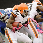 Cleveland Browns running back Trent Richardson (33) rushes during the first half of an NFL football game against the New York Giants Sunday, Oct. 7, 2012, in East Rutherford, N.J. (AP Photo/ …