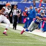 New York Giants wide receiver Domenik Hixon (87) is unable to catch a pass from quarterback Eli Manning, not pictured, as Cleveland Browns cornerback Sheldon Brown (24) defends on the play d …