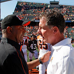 Cincinnati Bengals head coach Marvin Lewis, left, meets with Cleveland Browns head coach Pat Shurmur after the Bengals defeated the Browns 34-27 in an NFL football game on Sunday, Sept. 16, …