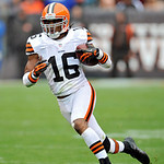 Cleveland Browns&#039; Josh Cribbs retuens a kick against the Buffalo Bills in the second quarter of an NFL football game Sunday, Sept. 23, 2012, in Cleveland. (AP Photo/David Richard)