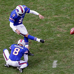 Buffalo Bills place kicker Rian Lindell (9) kicks a 37-yard field goal out of the hold of Brian Moorman (8) against the Cleveland Browns in the third quarter of an NFL football game Sunday,  &#8230;