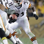 Cleveland Browns running back Montario Hardesty (31) carries the ball during the fourth quarter of an NFL football game against the Pittsburgh Steelers in Pittsburgh, Thursday, Dec. 8, 2011. …