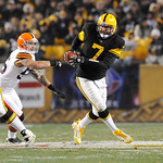 Pittsburgh Steelers quarterback Ben Roethlisberger (7) evades Cleveland Browns outside linebacker Kaluka Maiava (56) in the second quarter of the NFL football game on Thursday, Dec. 8, 2011, …