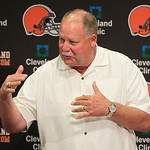 This Aug. 3, 2012 file photo shows Cleveland Browns president Mike Holmgren introducing Jimmy Haslam, the new majority owner of the Cleveland Browns, during a news conference in Berea, Ohio. …