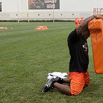 Cleveland Browns fullback Lawrence Vickers rests while working alone following the Browns NFL football training camp morning session in Berea, Ohio on Wednesday, Aug. 4, 2010.  (AP Photo/Amy …