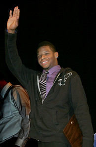 2DEC09  Anthony Hitchens receives the Golden Helmet Award for being the outstanding Lorain County Football player in 2009.    photo by Chuck Humel