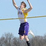 Kyle Longrich of Avon competes in the boys pole vault. STEVE MANHEIM/CHRONICLE