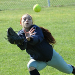 Elena Gnizak of Lorain makes a running catch in the outfield. STEVE MANHEIM/CHRONICLE