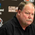 Cleveland Browns president Mike Holmgren talks to the media hours after the team fired head coach Eric Mangini, at the Browns' training facility in Cleveland on Monday, Jan. 3, 2011.    (AP  …