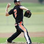 Dudley Taw delivers a pitch. RAY RIEDEL/CHRONICLE