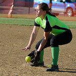 Wellington second baseman Jasmine White fields a ground ball.  KRISTIN BAUER | CHRONICLE